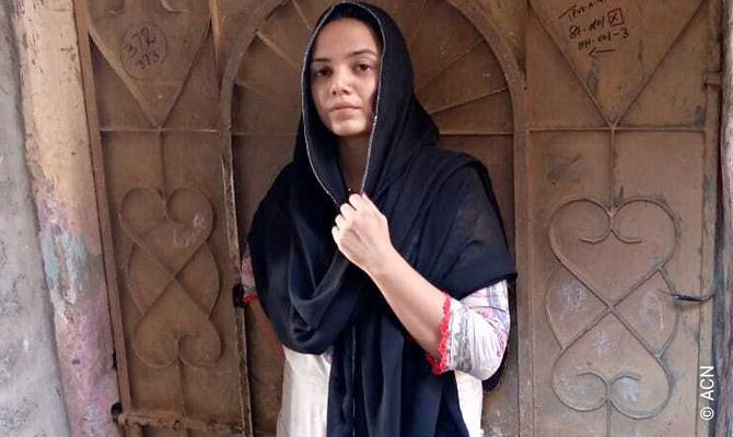 Anum Arif, una joven voluntaria católica de Cáritas Pakistán Karachi (CPK).