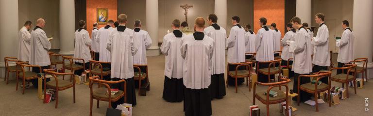 República Checa: Ayuda a la formación de 15 futuros sacerdotes del seminario mayor archidiocesano de Praga