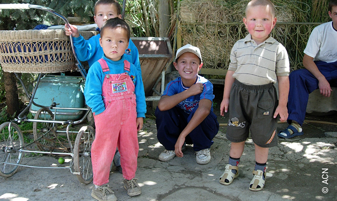 Kyrgyzstan:Mass stipends for for priests.