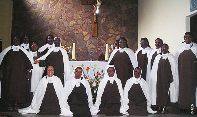 Today the Carmelite convent in the Kasai region is home to 18 African women