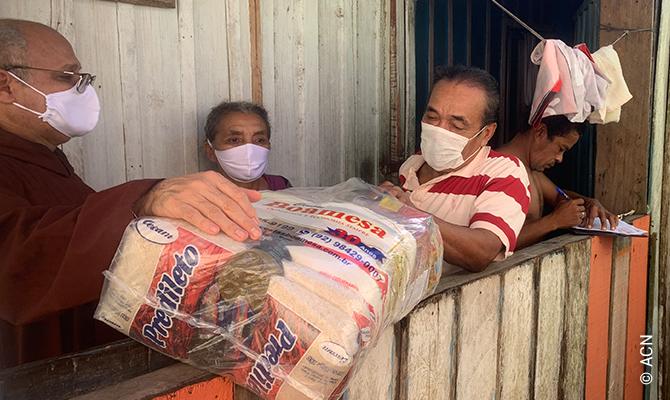 L'AED a approuvé une aide extraordinaire d'urgence afin que ces frères capucins puissent fournir de la nourriture aux plus pauvres.