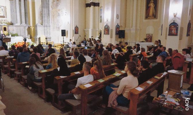 Este año, los franciscanos nos han pedido ayuda para mejorar el equipamiento técnico.