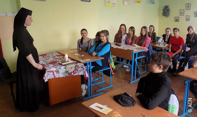 Ukraine: Helping the Sisters to build. Loving, serving, glorifying.