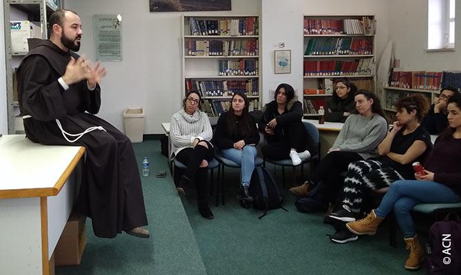 Jerusalem Center for Jewish- Christian Relations (JCJCR), das von Aid to the Church in Need (ACN) seit Jahren unterstützt wird.