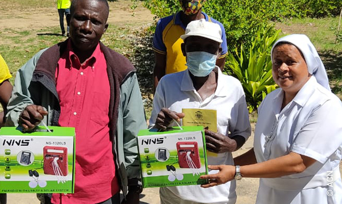 How ACN is helping in Mozambique: Radios bringing hope to those living in fear of terrorism.