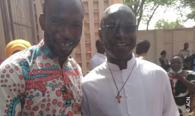 Mali - Morning Mass on 18.07.2021 in the Church of Our Lady of the Annunciation in Sévaré with Father Leon Douyon. Father Leon Douyon was kidnapped on 21.06.2021 and released on 13.07.2021.
