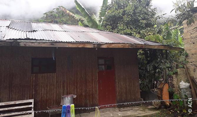 «C'est surtout pendant la saison des pluies que nous souffrons de cette situation», nous écrit le Père Jorge Munos Darwit.