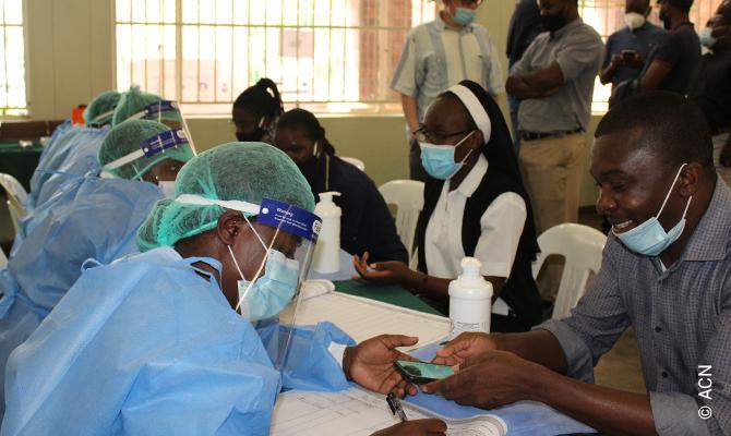 En los últimos meses, la fundación pontificia Ayuda a la Iglesia Necesitada (ACN) ha podido ofrecer una ayuda continuada para combatir la pandemia.