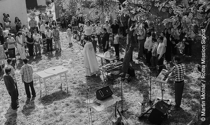 The Greek-Catholic Roma Mission during holy mass.