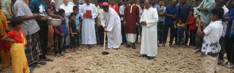 Bangladesh: Ayuda a la construcción de una capilla en un pueblo