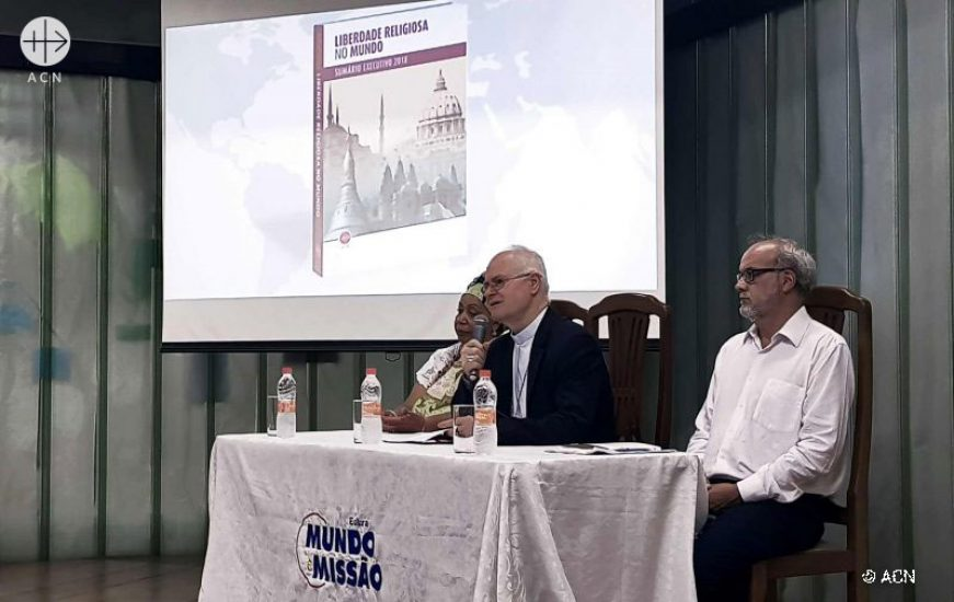On November 22, in São Paulo, ACN office in Brazil organized a conference to launch the Religious Freedom Report. At the event were present Cardinal Odilo Scherer, yalorixá Carmen de Oxum and the Professor of PUCSP Dr. Edin Sued expert in religious sciences. — at PUC - SP.
