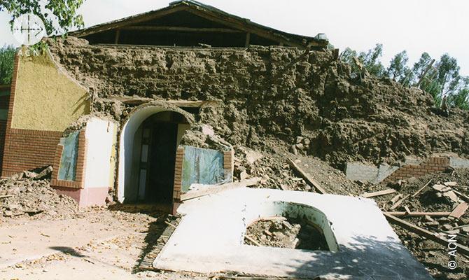 Une eglise detruite par le tremblement de terre de 2010 au Chili attend encore d'etre reconstruite.