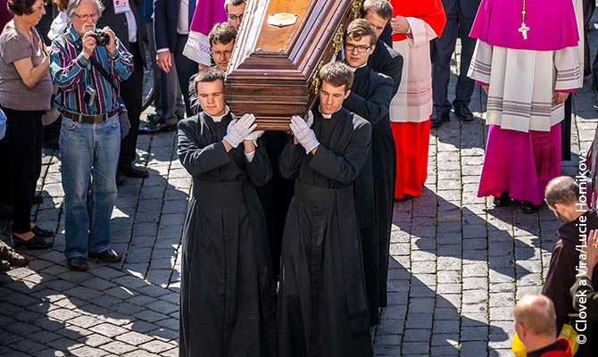 Seminarians carry Joseph Cardinal Beran's coffin to the Prague Cathedral.