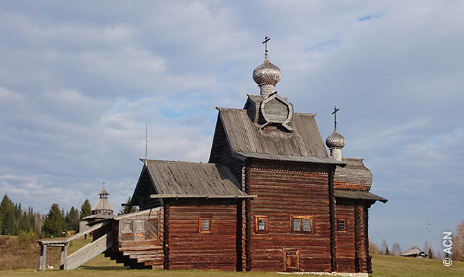 Wooden church in the Khokhlovka open-air museum.