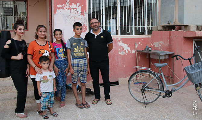 Thanks in part to ACN, this family in Qaraqosh was able to return to its home town.
